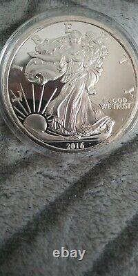 2016 American Eagle 5 Oz Silver Coin Bullion Round. 999 fine (Walking Liberty)